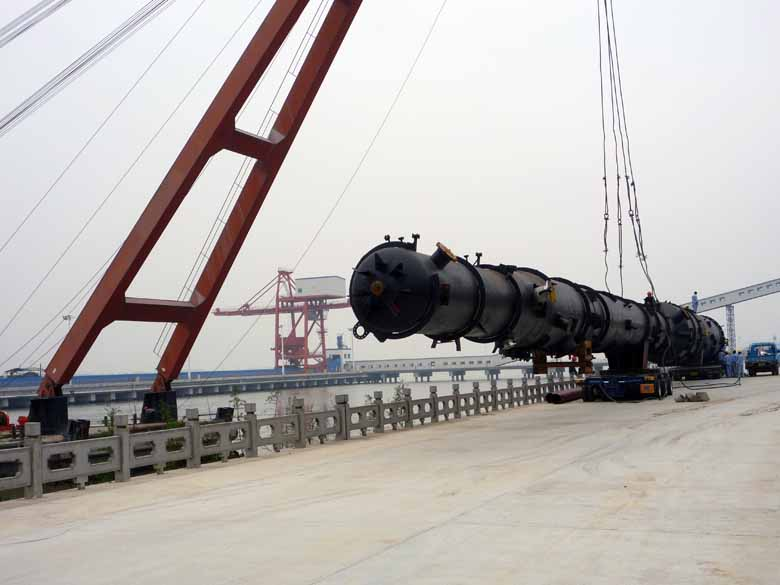 200吨浮吊卸船装车.图片